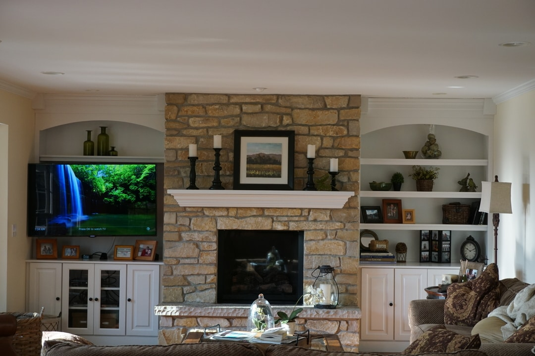 Fireplace_Family_Room_1